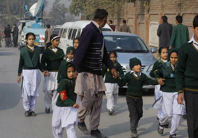 """Ответственность за теракт взяла на себя группировка """"Техрик-и-талибан Пакистан"""""""