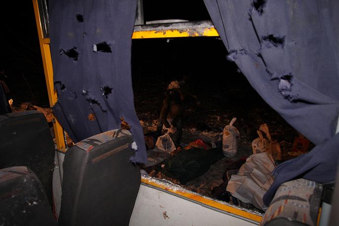 13 января пассажирский автобус, следовавший из Донецка в Златоустовку, был обстрелян под населенным пунктом Волноваха Донецкой области. Жертвами стали 12 мирных жителей, еще 16 получили ранения. По версии Киева, автобус попал под обстрел, который из реактивных систем залпового огня вели ополченцы. В ДНР в свою очередь опровергли причастность к инциденту