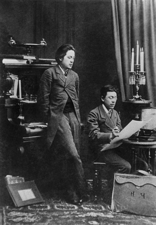 Москва. Антон Павлович и Николай Павлович Чеховы (слева направо), 1883 год