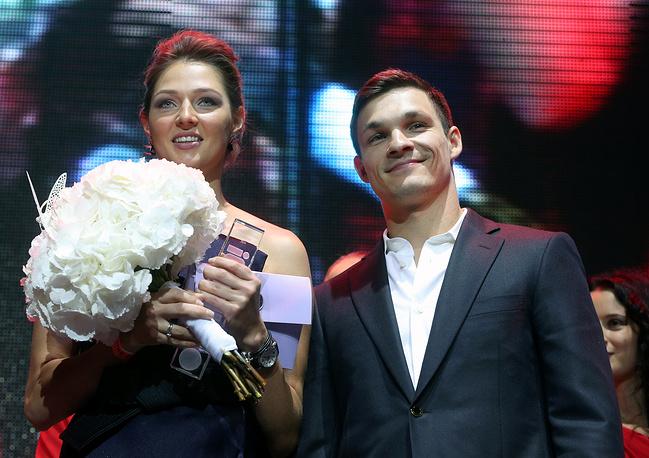 Американский спортсмен Виктор Уайлд и россиянка Алена Заварзина - семья сноубордистов. Спортсмены познакомились в 2009 году на соревнованиях и поженились в июле 2011 года. С 2012 года Вик Уайлд выступает за сборную России