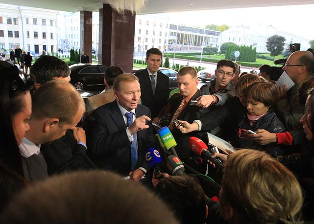 19 сентября 2014 года в Минске более шести часов продолжался второй раунд переговоров в рамках контактной группы по Украине. В результате стороны подписали меморандум по осуществлению режима прекращения огня, принципиальная договоренность о котором была достигнута 5 сентября