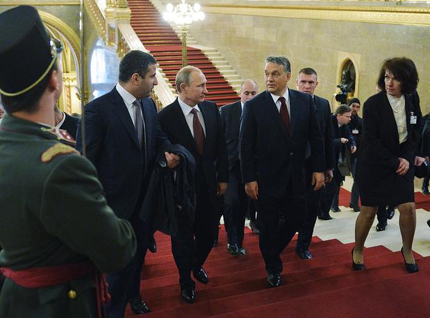 Президент России Владимир Путин и премьер-министр Венгрии Виктор Орбан во время встречи в здании Государственного Собрания Венгрии