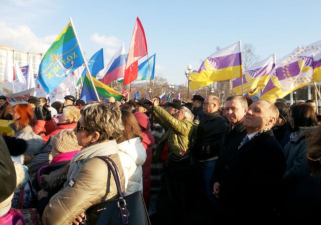 На митинг-концерте в Хабаровске собрались до 2,5 тыс. представителей политических партий, общественных и молодежных движений, студентов и ветеранов