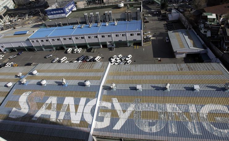 19 марта стало известно, что четвертый по величине южнокорейский автопроизводитель SsangYong с января этого года приостановил поставки машин в Россию из-за ослабления рубля