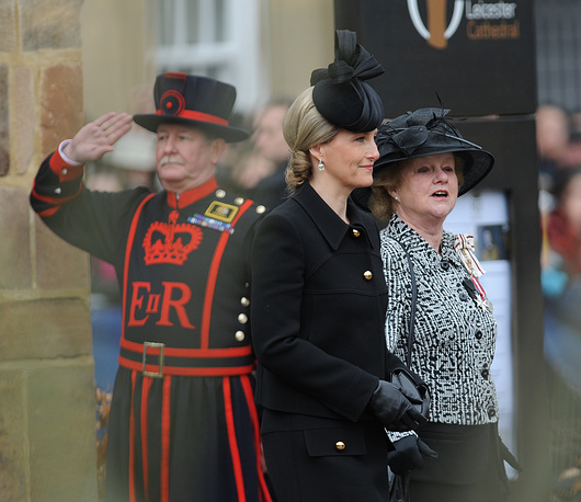 Графиня Уэссекская Софи на торжественной церемонии перезахоронения