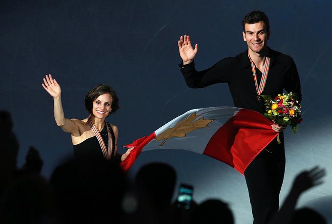 Бронзовые призеры Игр в Сочи канадцы Меган Дюамель и Эрик Рэдфорд на мировом первенстве в Шанхае завоевали золото