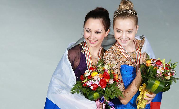 Российские спортсменки Елизавета Туктамышева (золото) и Елена Радионова (бронза)
