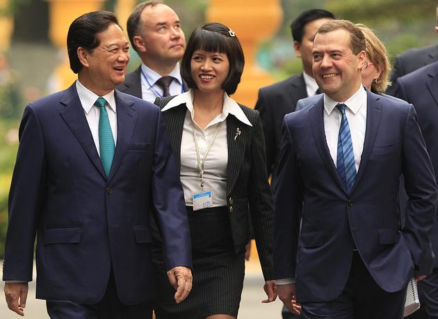 Премьер-министр РФ Дмитрий Медведев и премьер-министр Вьетнама Нгуен Тан Зунг