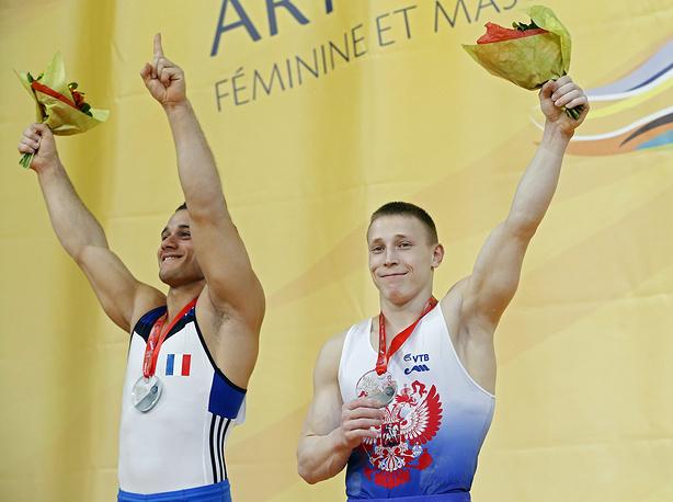 Денис Аблязин (справа)