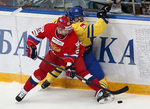 Игрок сборной России Александр Бурмистров