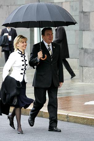 Канцлер ФРГ Герхард Шредер с супругой Дорис Шредер-Кепф, 2005 год