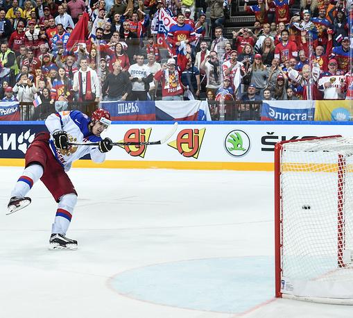Восклицательный знак в напряженном матче поставил Евгений Малкин - при счете 3:0 нападающий поразил пустые ворота сборной США
