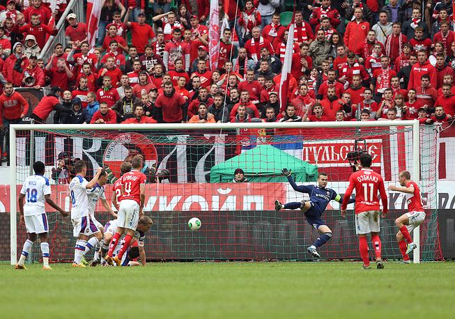 В сезоне-2013/14 красно-белые впервые с 1999 года одержали крупную победу над армейцами. Встреча, состоявшаяся 22 сентября 2013 года, завершилась со счетом 3:0