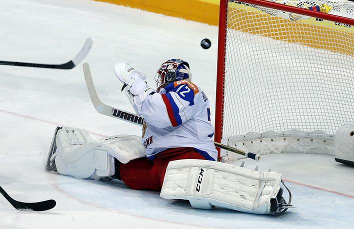 Вратарь российской сборной Сергей Бобровский шесть раз капитулировал перед атакующими действиями канадцев