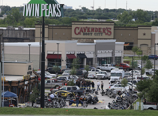 """На месте происшествия у ресторана """"Твин Пикс"""""""