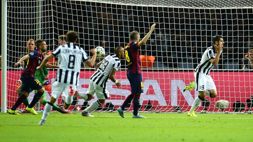 "В начале второго тайма ""Ювентусу"" удалось сравнять счет - точным ударом отметился Альваро Мората"