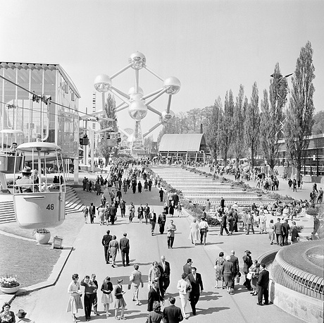 Первым Expo после Второй мировой войны стала выставка в Брюсселе в 1958 г.  На фото: общий вид на территорию выставки