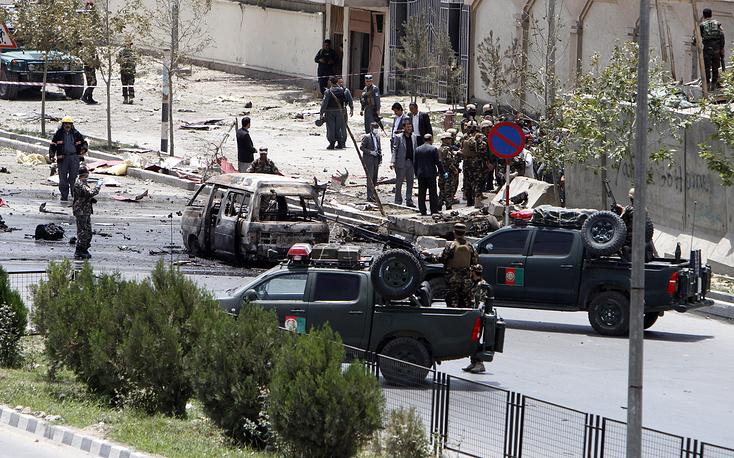 Ранее 22 июня боевики захватили второй за последние дни район в Афганистане. Губернатор района Дашти-Арче в провинции Кундуз на севере страны подтвердил, что этот район перешел под контроль талибов. На фото: силы правопорядка в ходе спецоперации в Кабуле