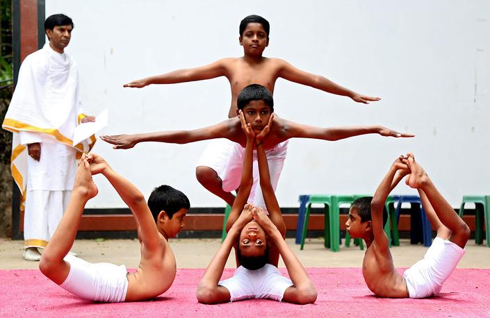 Международный день йоги в Бангалоре, Индия