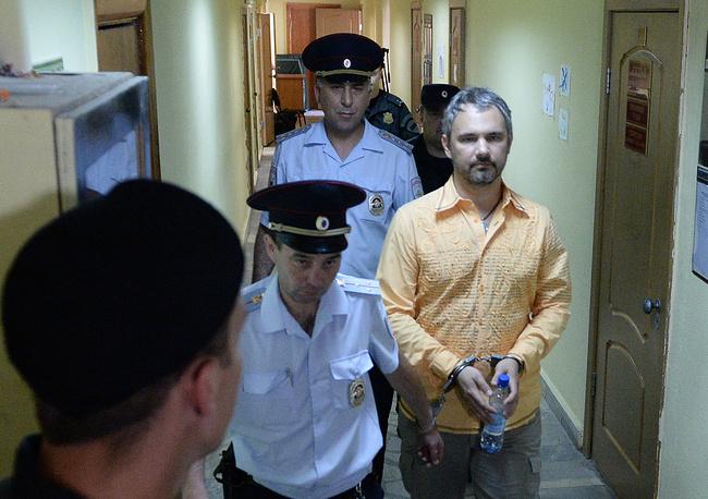 24 июня суд в Екатеринбурге приговорил фотографа Дмитрия Лошагина к 10 годам колонии строгого режима по делу об убийстве жены-фотомодели