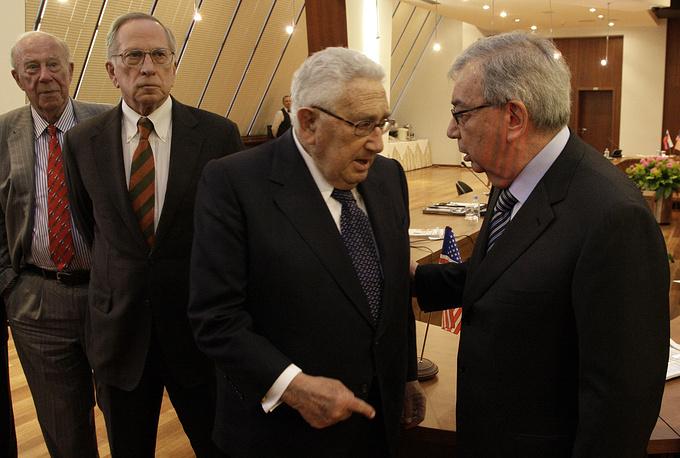 Президент Торгово-промышленной палаты РФ Евгений Примаков и бывший госсекретарь США Генри Киссинджер, 20 марта 2009 года