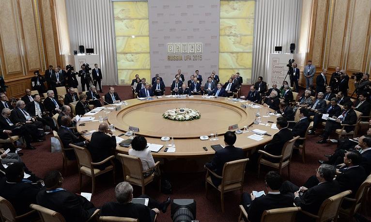 Встреча лидеров БРИКС в расширенном составе
