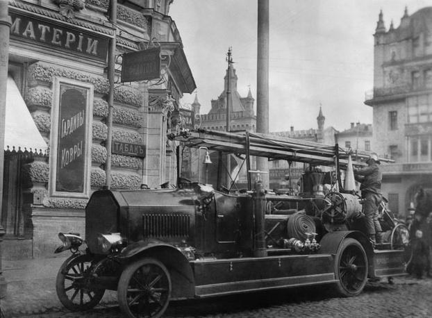 Пожарный автомобиль, Российская империя, 1910 год