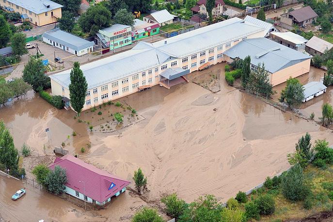 23 июля из-за селя в пригороде Алма-Аты эвакуировали почти 900 человек