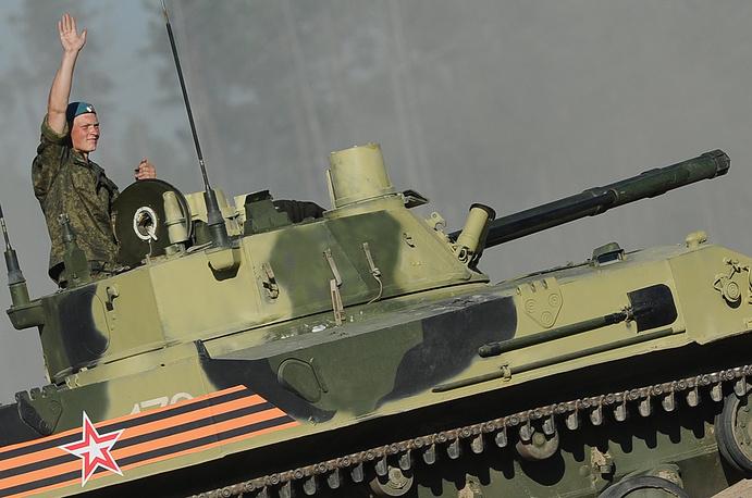 Экипаж БМД-4 к старту готов