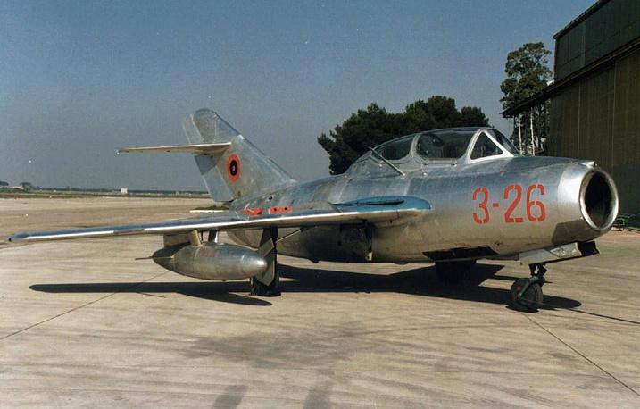 МиГ-15 - советский истребитель, разработанный в конце 1940-х годов