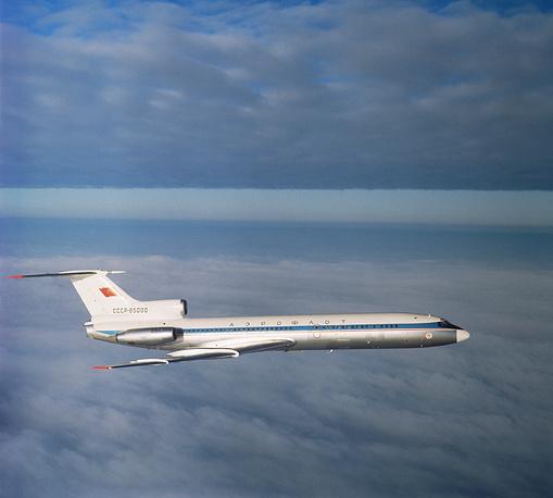 Узкофюзеляжные самолеты гораздо более распространены. Они используются, как правило, на авиалиниях средней и малой протяженности и имеют меньшую пассажировместимость по сравнению с широкофюзеляжными лайнерами. Наиболее яркий представитель этого класса - Ту-154