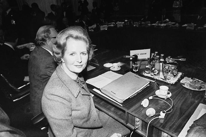 """Впоследствии основные принципы программы ее правительства получили название """"тэтчеризм"""". На фото: премьер-министр Маргарет Тэтчер во время саммита глав государств и правительств Европейского Сообщества, 27 апреля 1980 года"""
