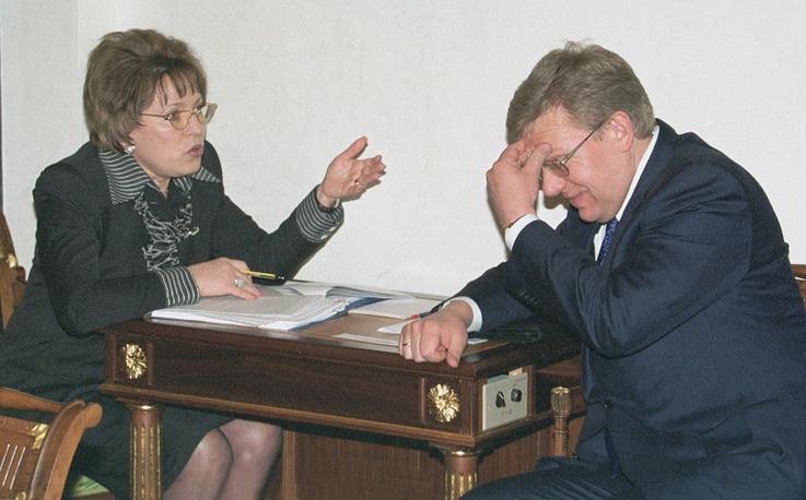 11 мая 2001 года. Вице-премьер РФ Валентина Матвиенко и вице-премьер, министр финансов РФ Алексей Кудрин перед началом заседания Совета безопасности РФ