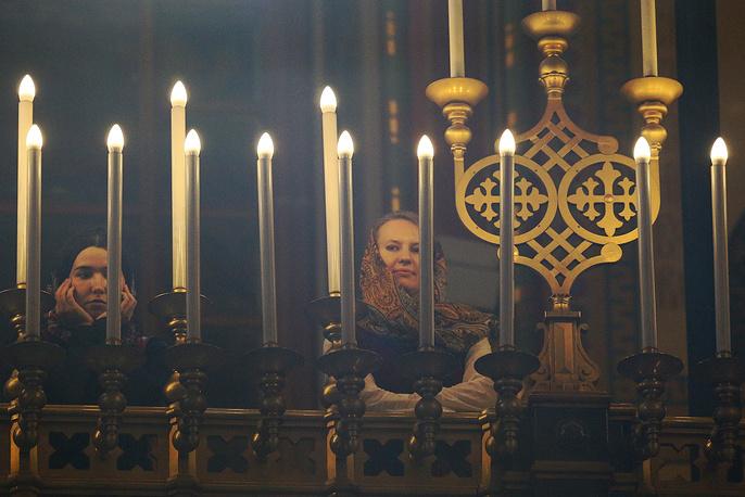 Праздничное богослужение по случаю Рождества Христова в храме Христа Спасителя