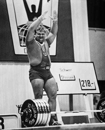 Леонид Жаботинский после установления мирового рекорда на чемпионате мира в Берлине
