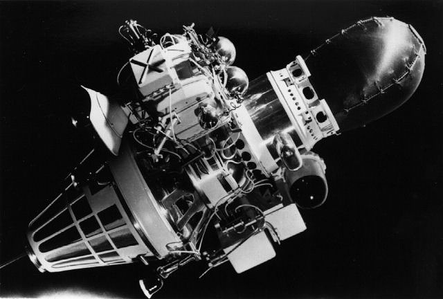 """Макет станции """"Луна-9"""", 1966 год"""