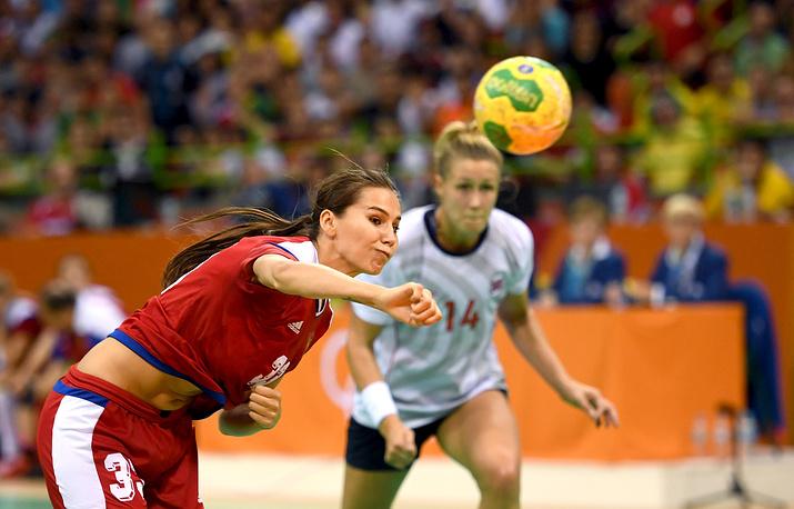 Российские гандболистки выиграли со счетом 38:37 и вышли в финал олимпийского турнира
