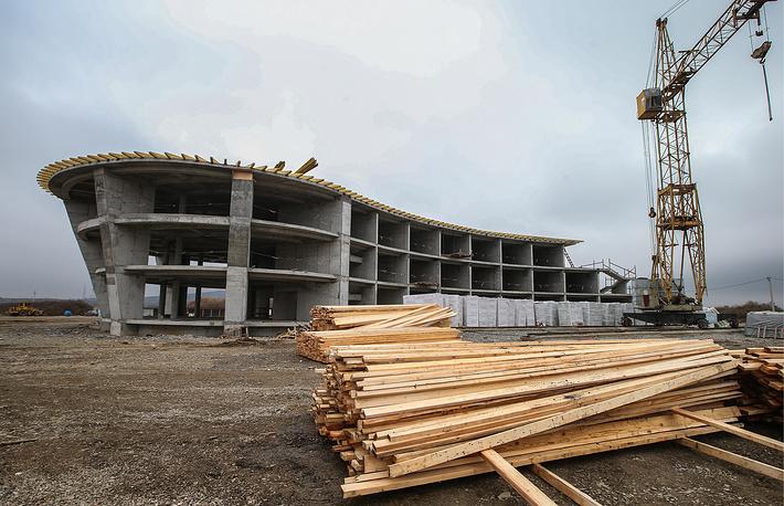 Строящееся здание гостиницы парашютного центра DZ Grozny