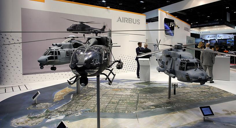 Вертолеты на стенде Airbus на выставке IDEX в Абу-Даби