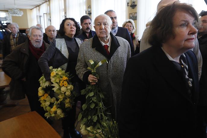 Президент Российской академии художеств, скульптор, художник Зураб Церетели (в центре)