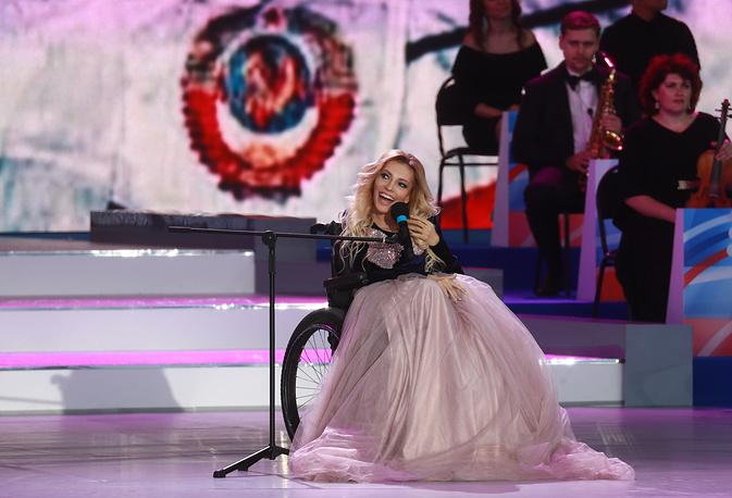 Юлия Самойлова во время праздничного концерта на Красной площади
