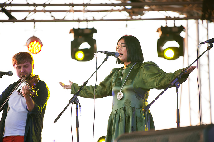 Участница фестиваля Бадма-Ханда Аюшеева