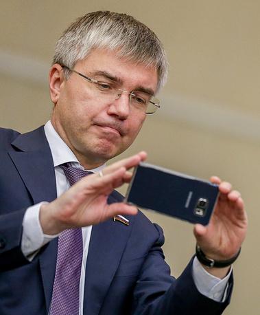 Член комитета Госдумы по информационной политике, информационным технологиям и связи Евгений Ревенко