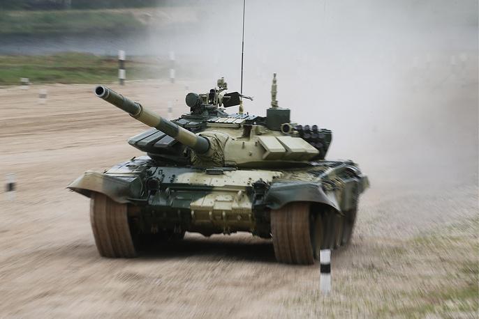 Экипаж из Уганды на танке Т-72Б3