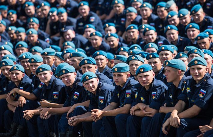 Празднование на территории войсковой части 242-го учебного центра ВДВ, Омск
