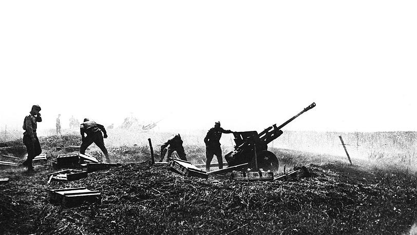 Орудие сержанта Афанасьева, подбившее за один день восемь танков противника