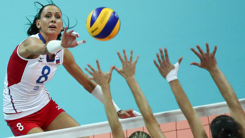 Игрок сборной России Наталья Гончарова в матче группового этапа по волейболу