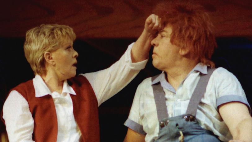 """Сцена из спектакля """"Малыш и Карлсон, который живет на крыше"""", 1999 год"""