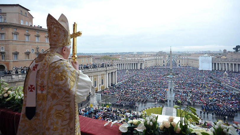 Папа Римский Бенедикт XVI (Pope Benedict XVI) во время Пасхального обращения к верующим