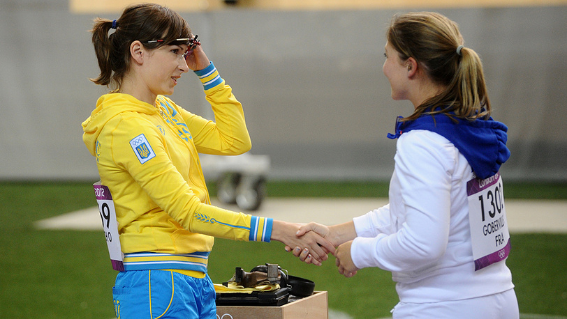 Украинская спортсменка Елена Костевич и француженка Селин Гобервилль